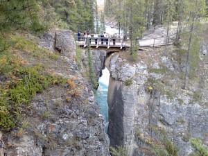 Maligne Canyon best hoog zo'n brug