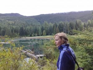 Uitzicht over meer tijdens wandeling bij Whistler